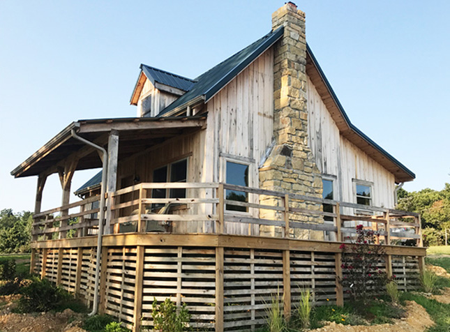 A Hawk S View Farm Vacation Rental Cabins In Adam S